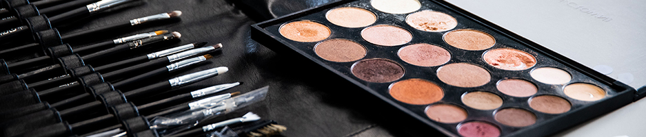 Make-up TAFE Courses and Certificates   Gordon TAFE